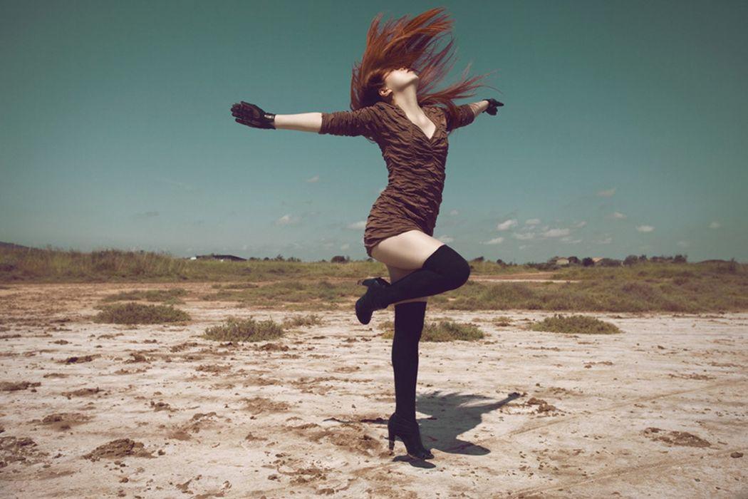 fashion model woman happy wallpaper