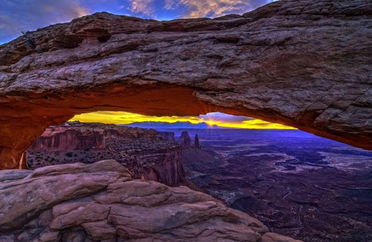 Arches National Park near Moab Utah desert landscape mountains sunrise sunset wallpaper
