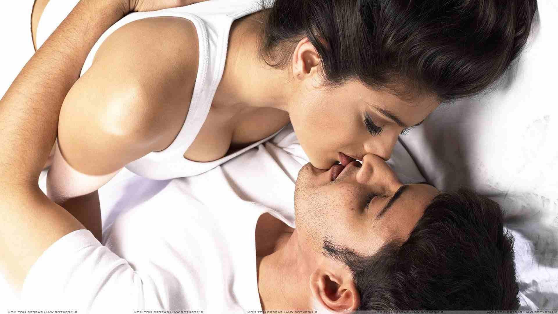 Www sexy kiss photo com