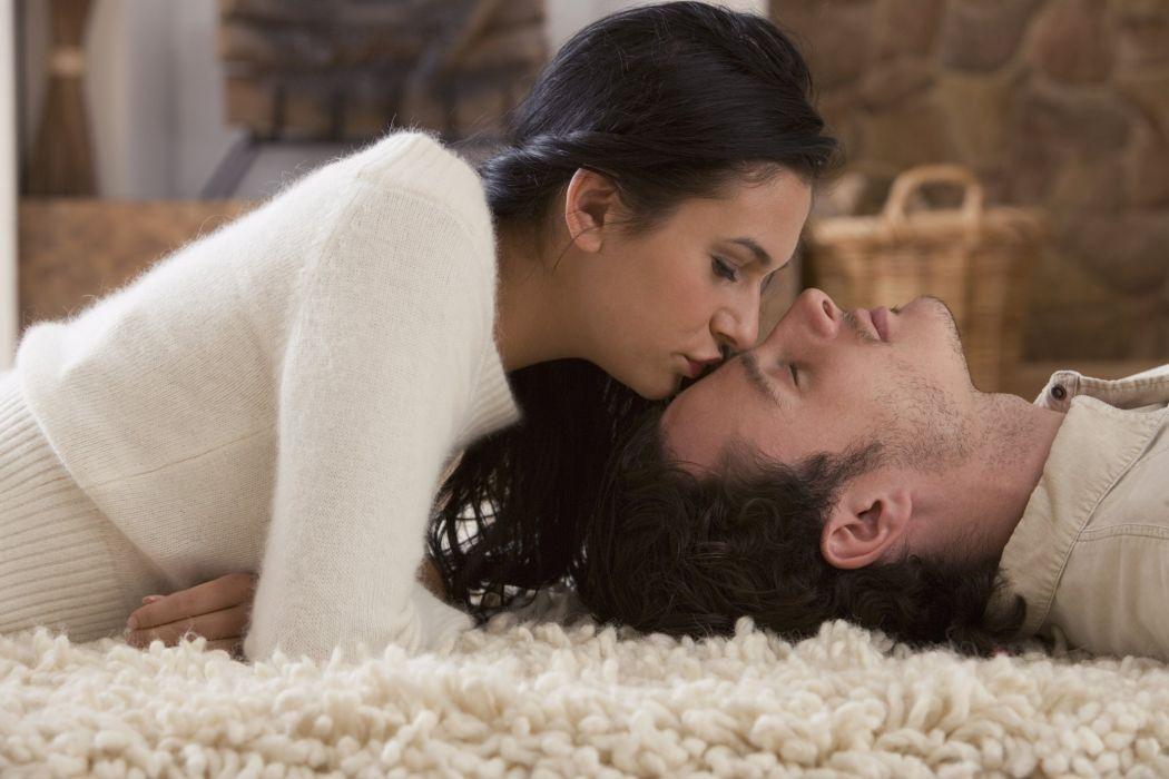 Порно молодые любят друг друга