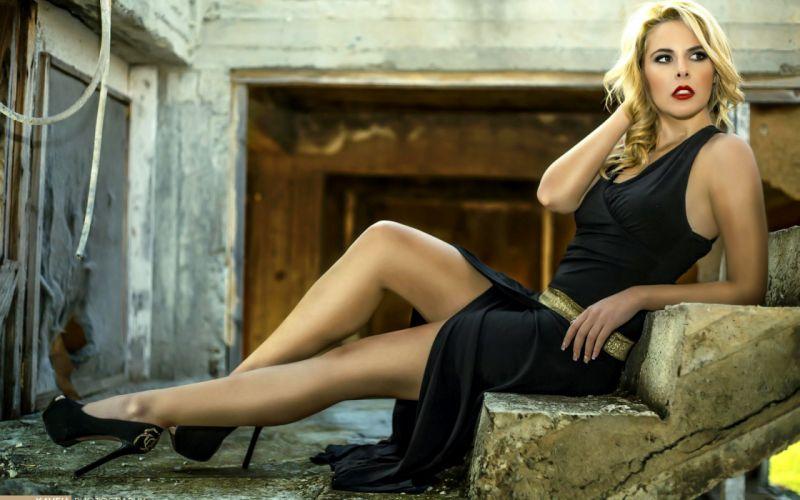 lips blonde heels sexy dress model woman wallpaper