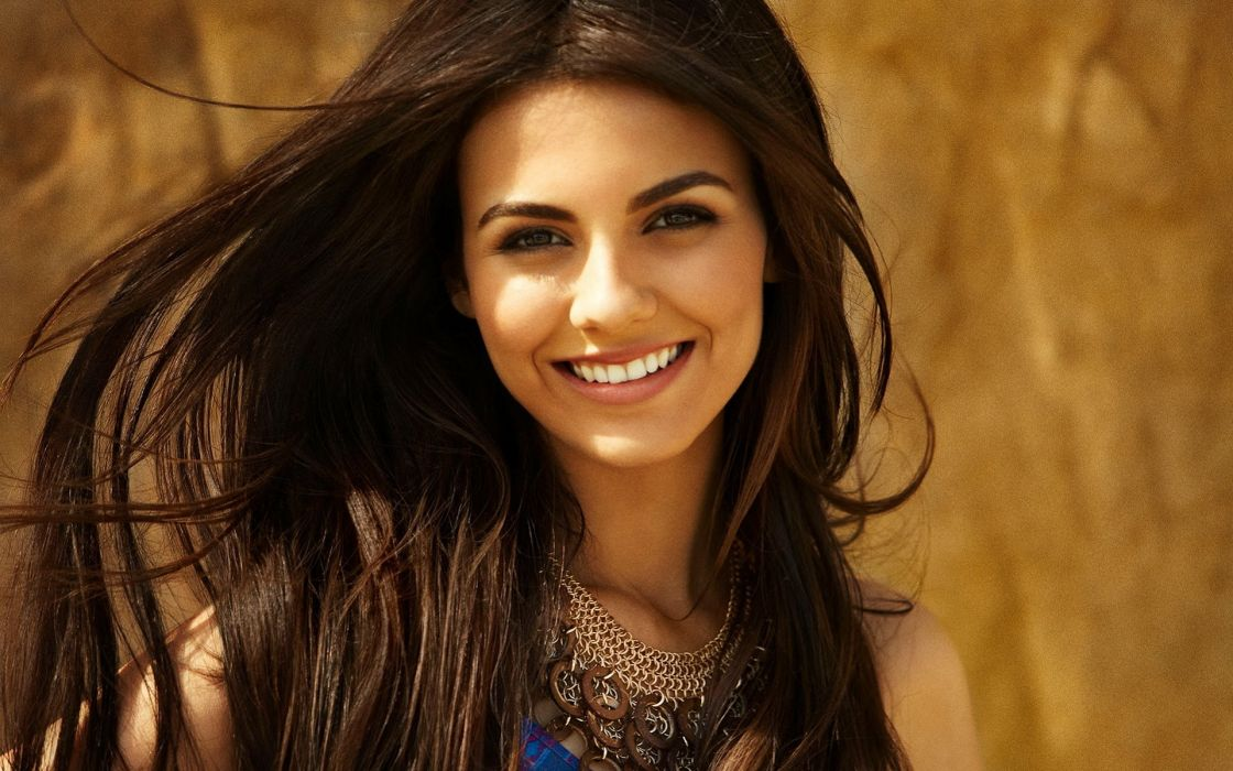 Victoria Justice girl actress singer brunette smile wallpaper