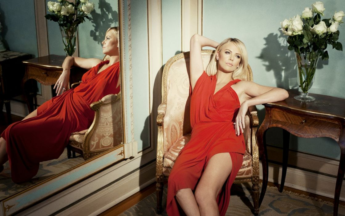 Charlize Theron actress red dress reflection wallpaper