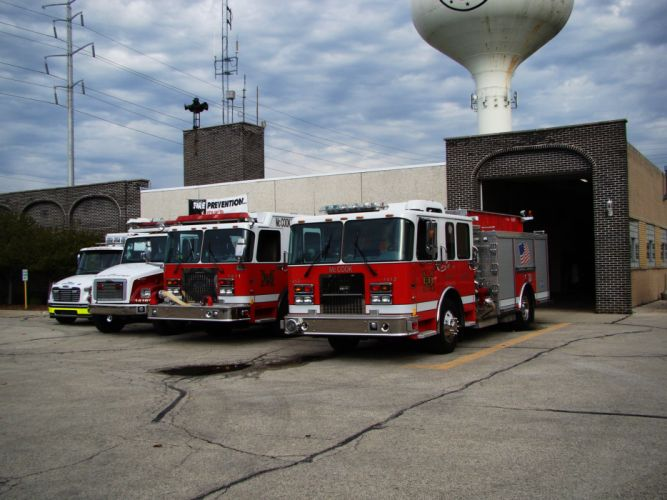 ambulance camion cars emergency fire fire departments medic CHICAGO Michigan pompier rescue suv truck USA wallpaper