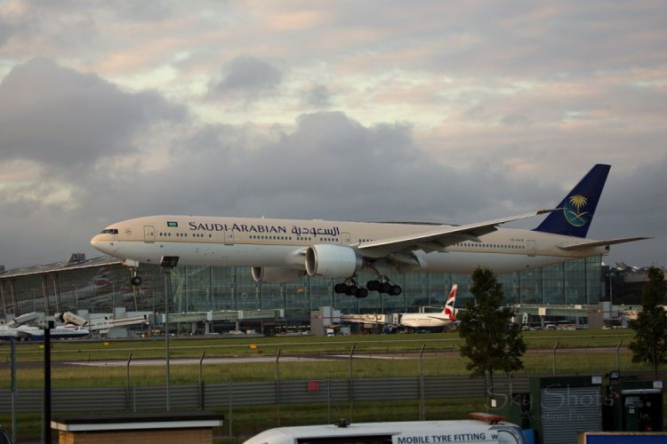 aircrafts airliner airplane boeing 777 plane transport wallpaper