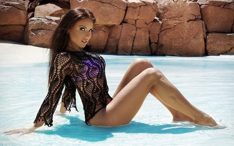 water hot model babe wallpaper