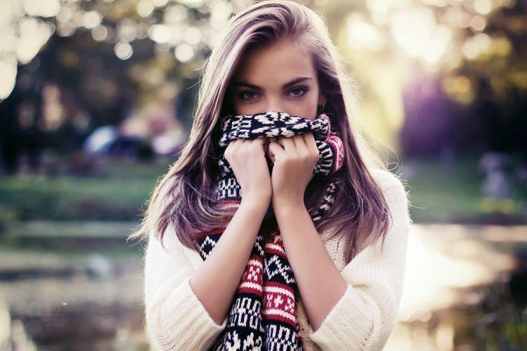 Blonde eyes face hands scarves cardigans wallpaper