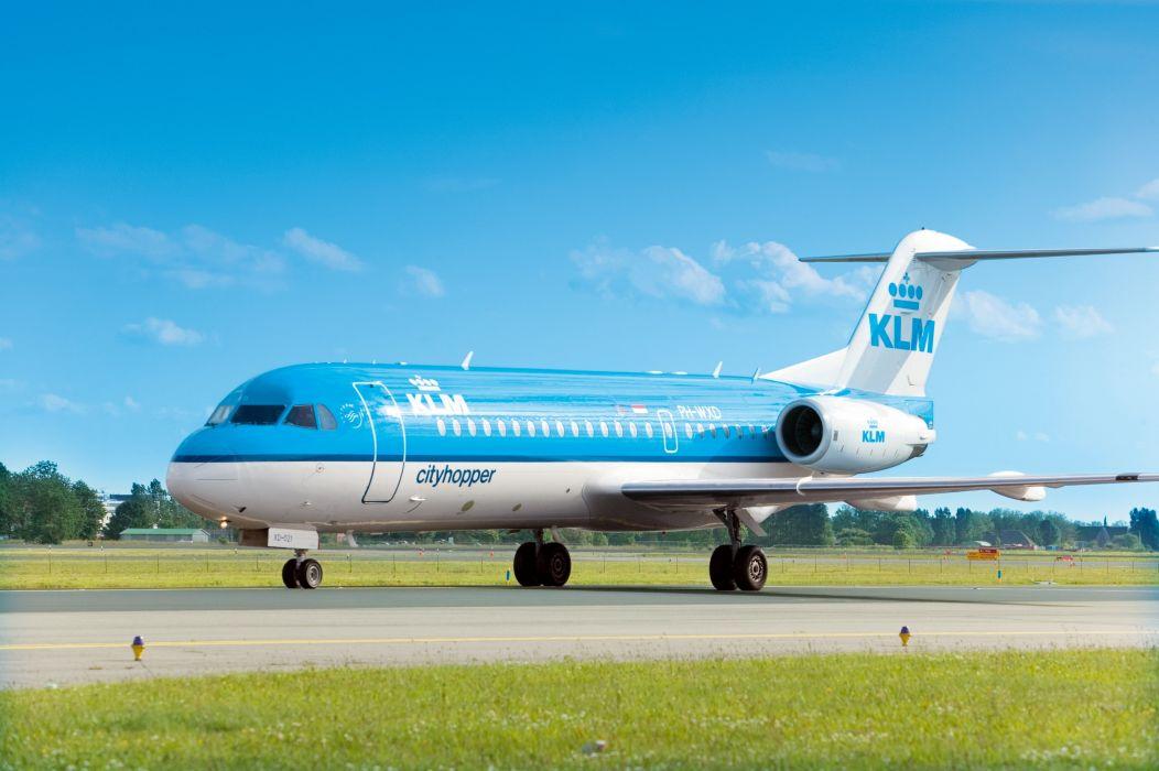 aircrafts airliner airplane fokker-70 plane transport wallpaper