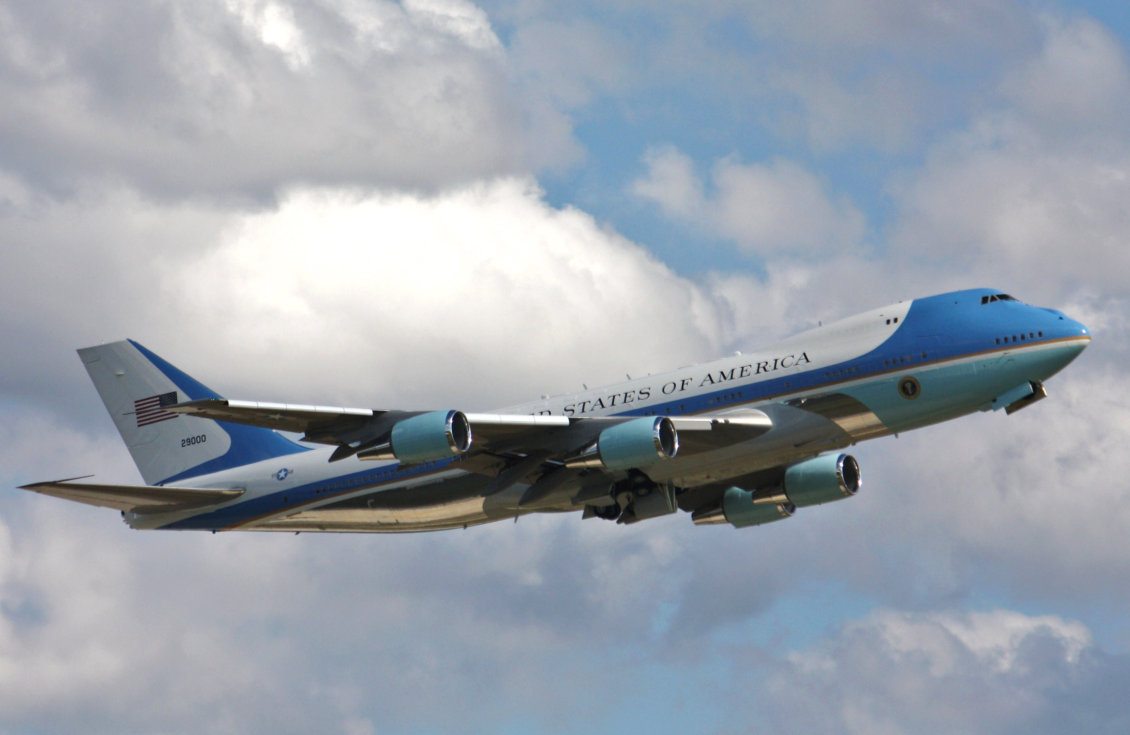 Air Force 1 Plane Pictures
