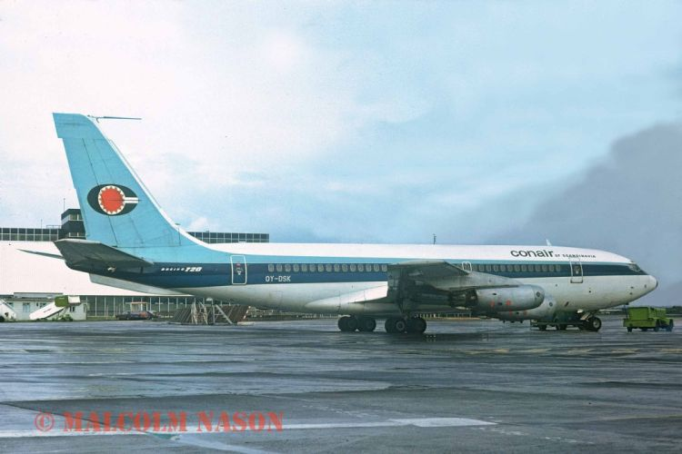 aircrafts airliner airplane Boeing 720 plane transport USA wallpaper