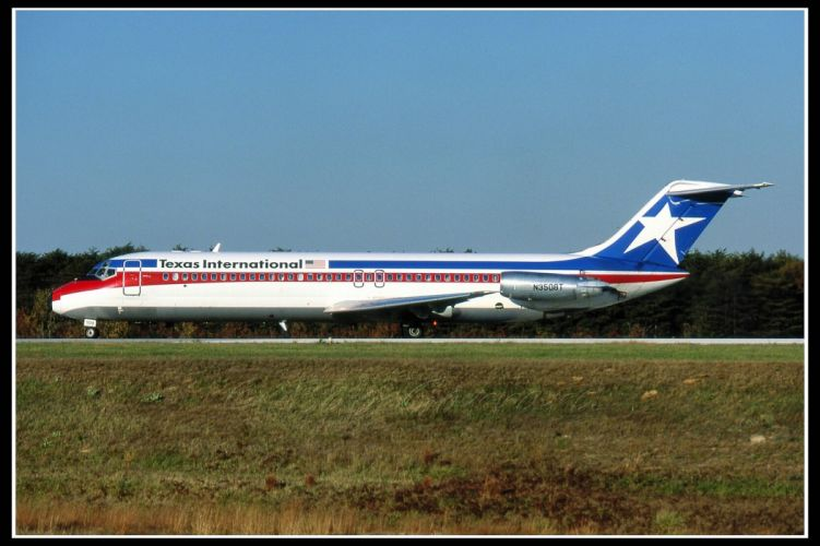 aircrafts airliner airplane army cargo DC 9 douglas mcdonnell plane transport wallpaper