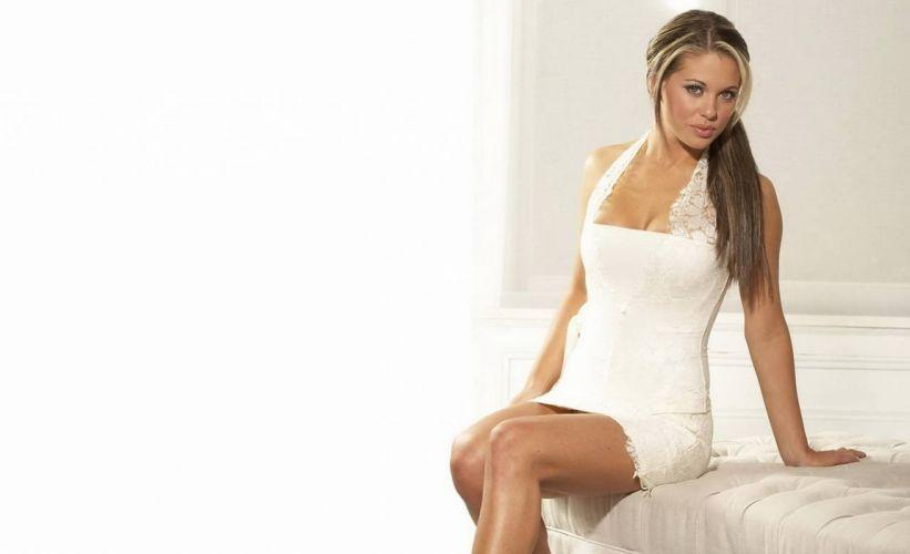 blonde dress white bianca wallpaper