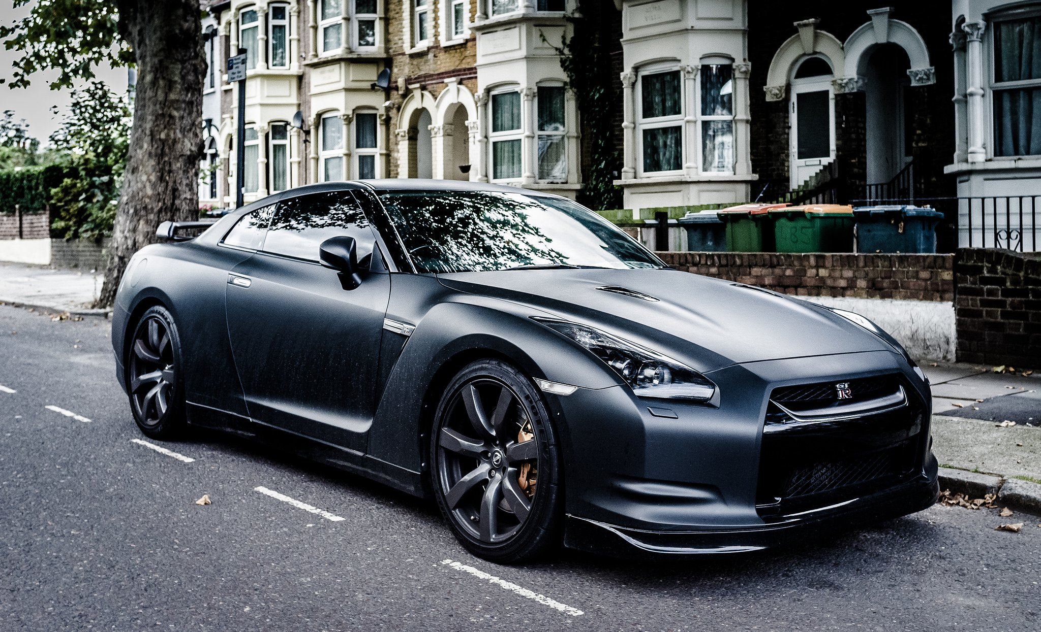 gt r nismo nissan r35 tuning supercar coupe japan noire black nero wallpaper 2048x1245. Black Bedroom Furniture Sets. Home Design Ideas