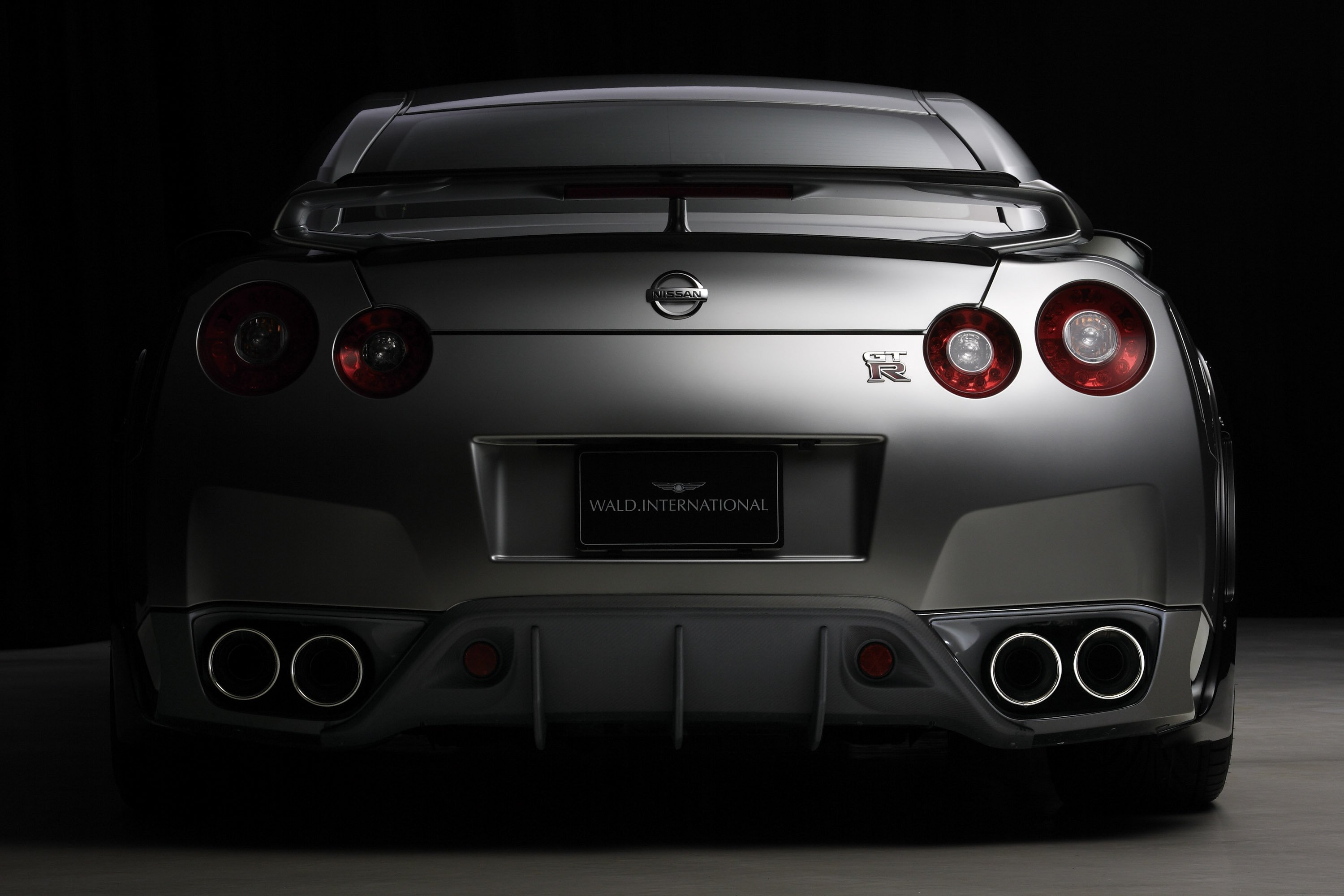 gt-r nismo nissan r35 tuning supercar coupe japan gris grey