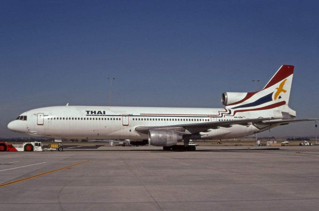 Lockheed L-1011 Tristar airliner airplane plane transport aircrafts wallpaper