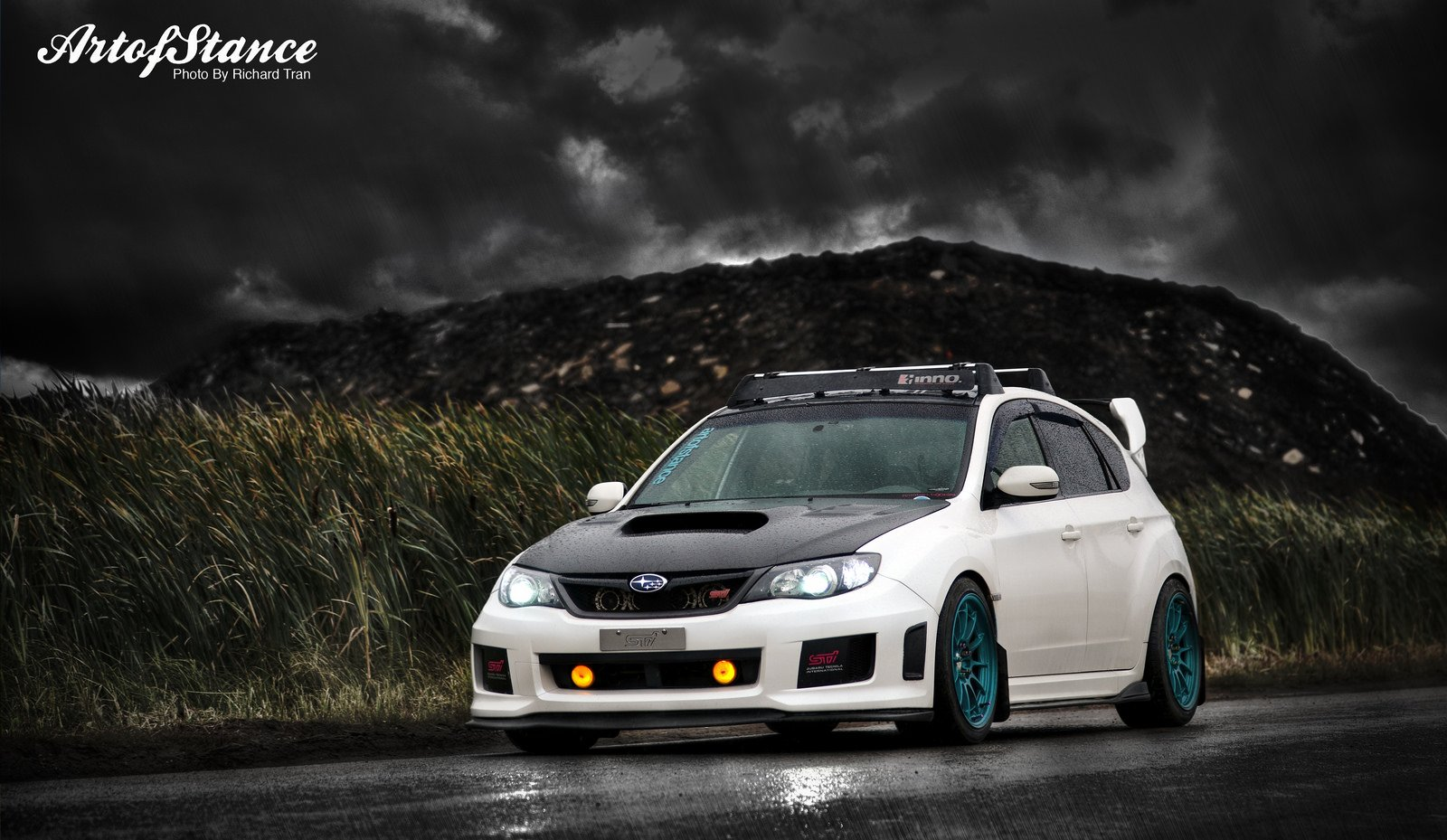 Subaru sti hatchback wallpaper