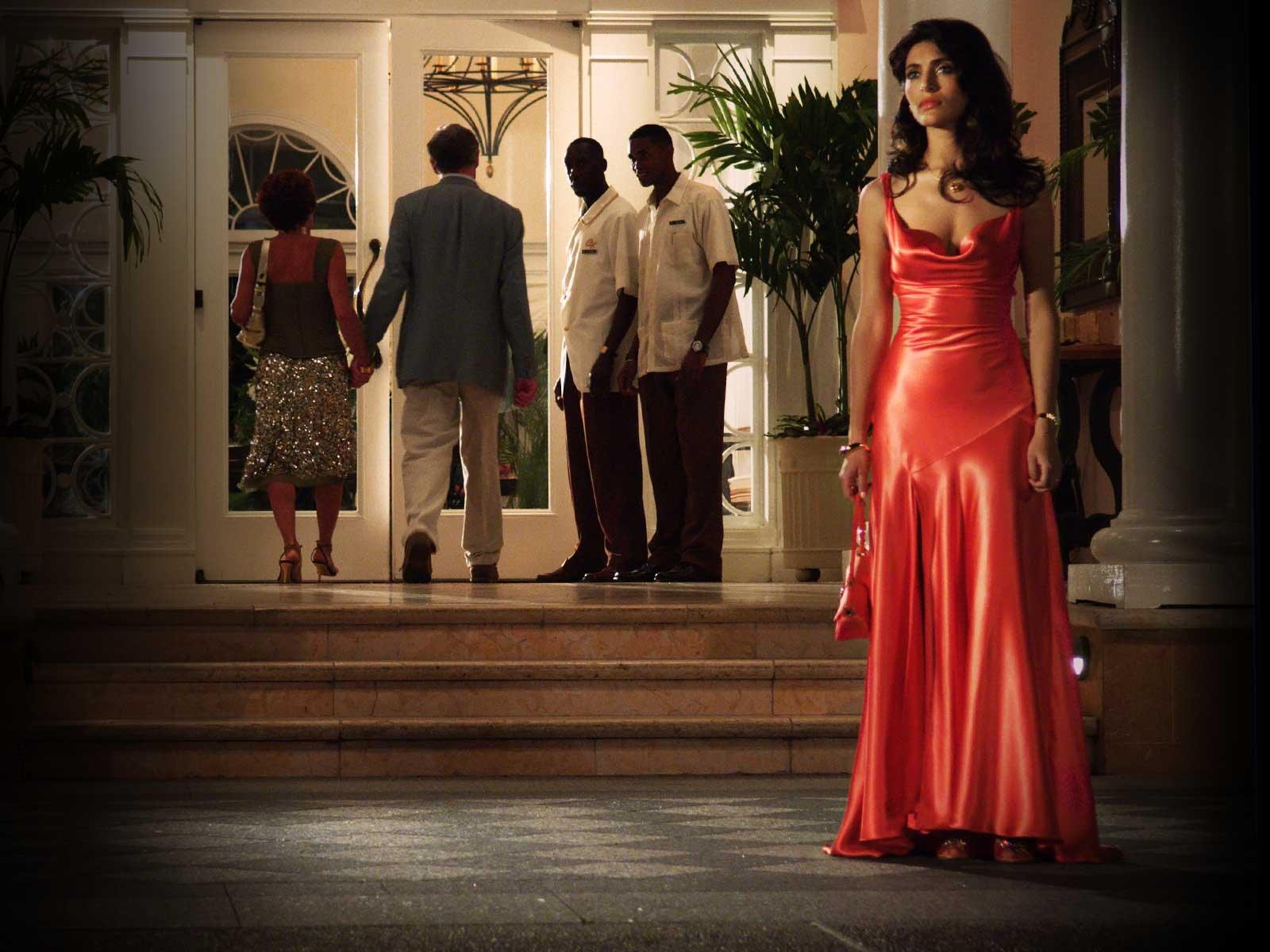 Caterina murino в червоній сукні у фільмі Казино Рояль Дивитися фільм онлайн казино