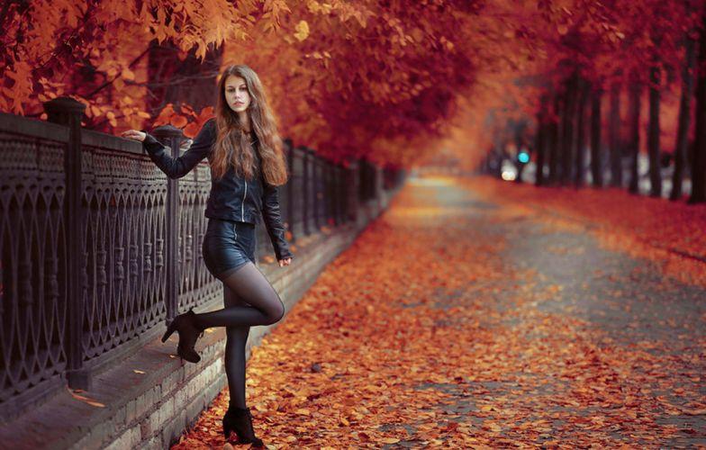 street fall beauty girl wallpaper