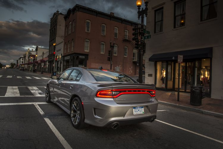 2015 Dodge Charger SRT 392 (L-D) muscle wallpaper