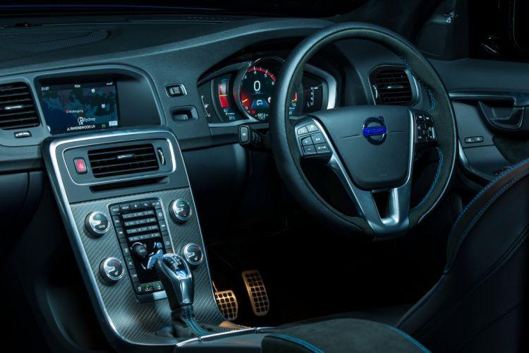 2015 Volvo V60 Polestar AU-spec stationwagon wallpaper
