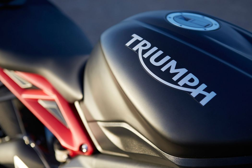 2015 Triumph Daytona 675R ABS wallpaper