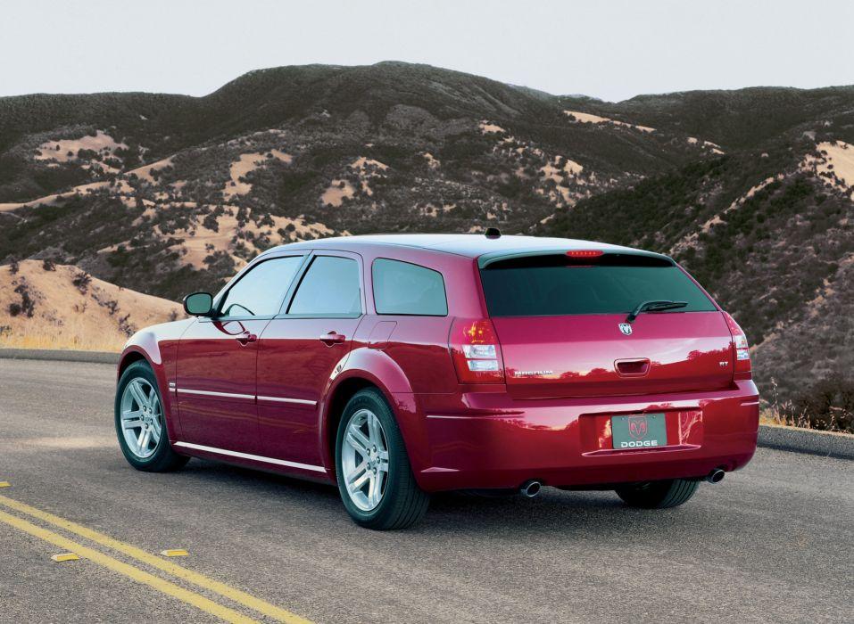 2004-07 Dodge Magnum R-T stationwagon wallpaper