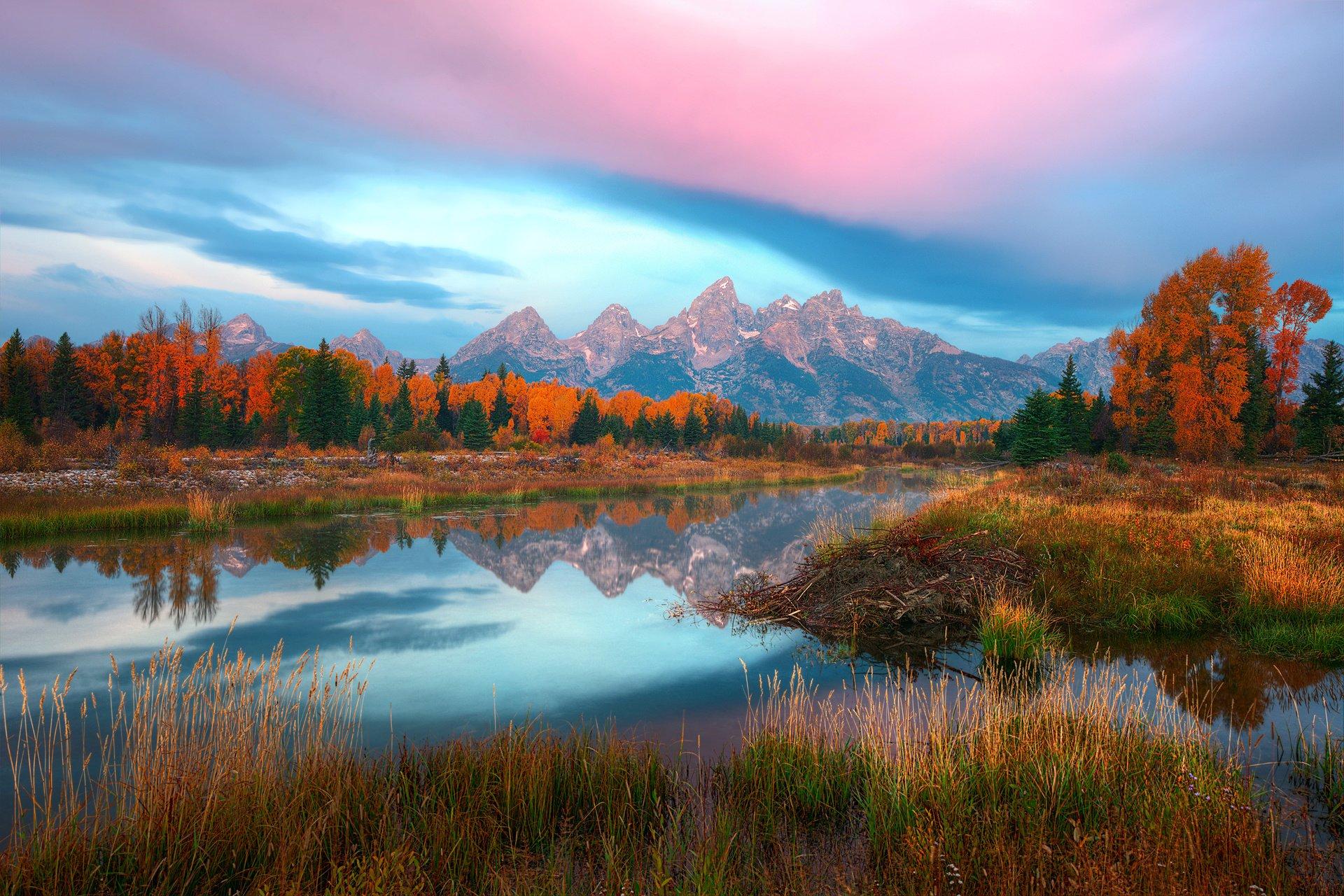 USA Wyoming autumn river lake reflection mountain ...