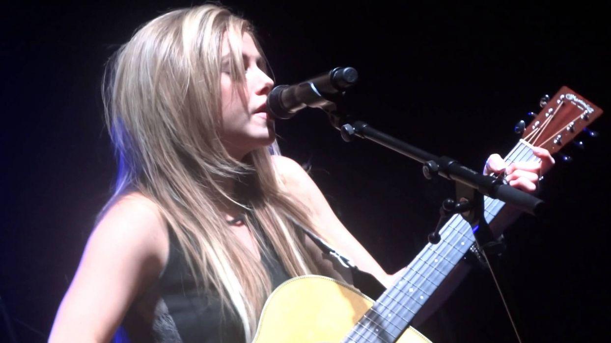 LINDSAY Ell countrywestern country blonde western guitar concert wallpaper