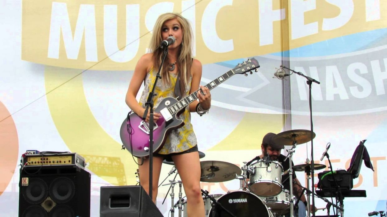 LINDSAY Ell countrywestern country blonde western guitar concert wallpaper