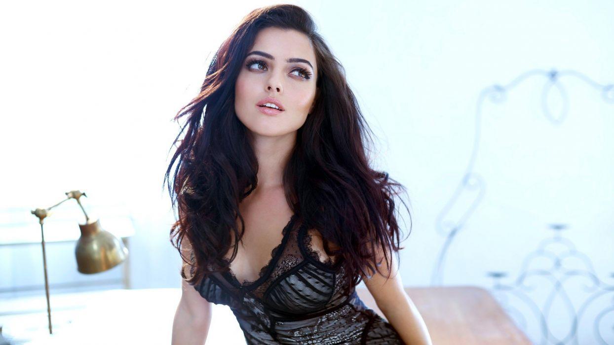 woman brunette lovey sweet model wallpaper