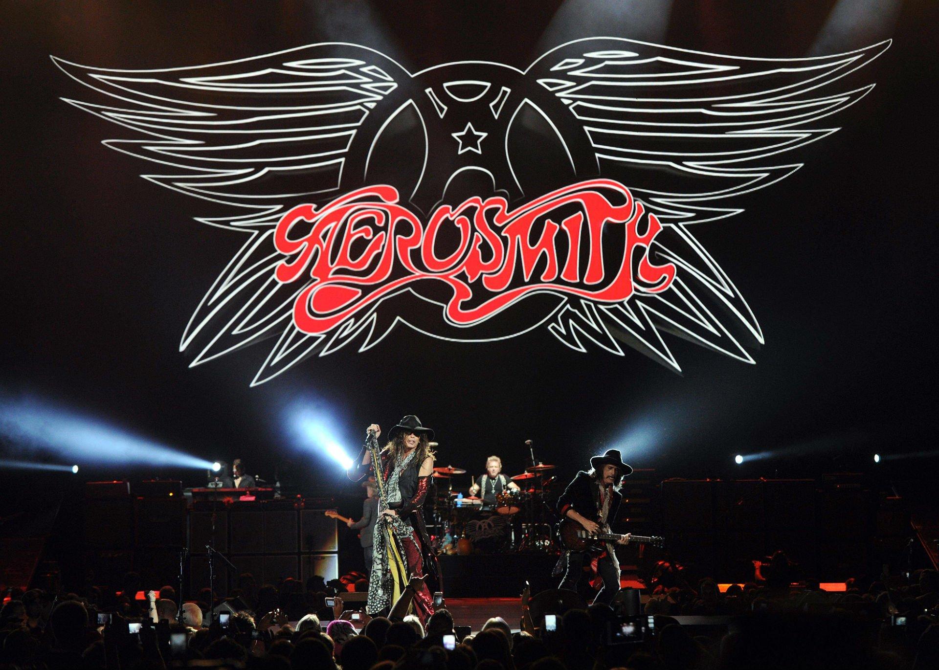 AEROSMITH hard rock glam heavy metal glam concert ...