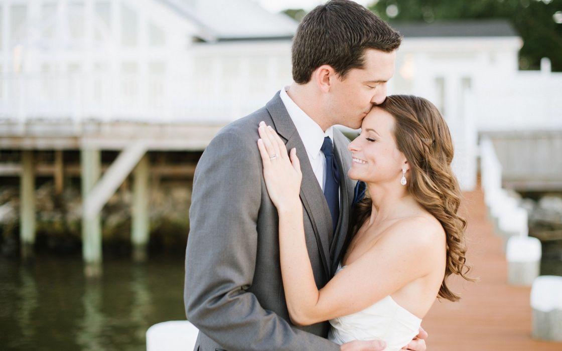 couple bride wedding dress white beauty kiss wallpaper