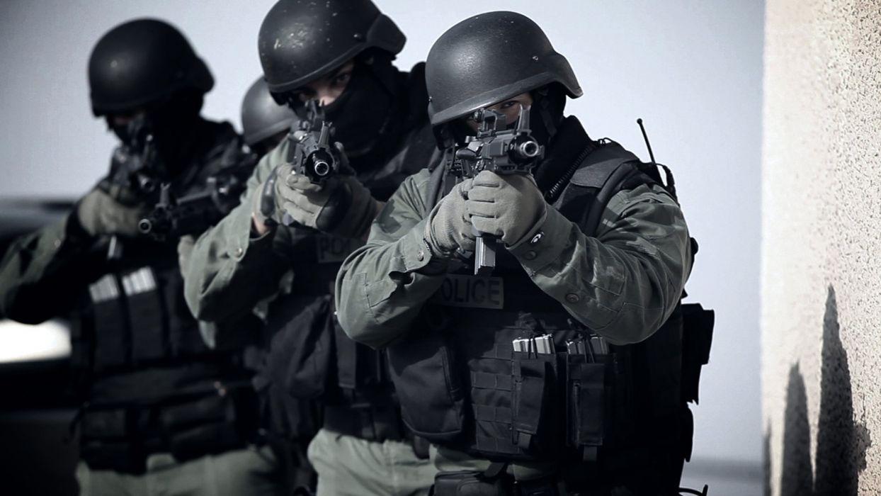 Swat Team Police Crime Emergency Weapon Gun Wallpaper 2133x1200