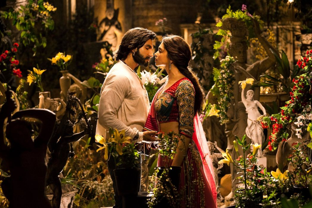 GOLIYON KI RAASLEELA RAM-LEELA bollywood drama musical romance Deepika Padukone wallpaper