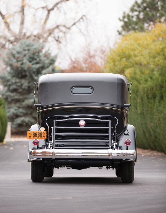 1933 Packard Custom Twelve All-Weather TownCar Landaulet LeBaron (1006-4003) luxury retro wallpaper