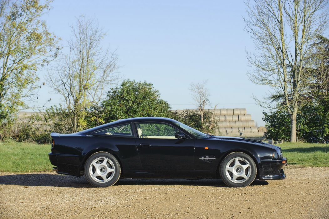 1999 Aston Martin V-8 Vantage Le-Mans supercar wallpaper