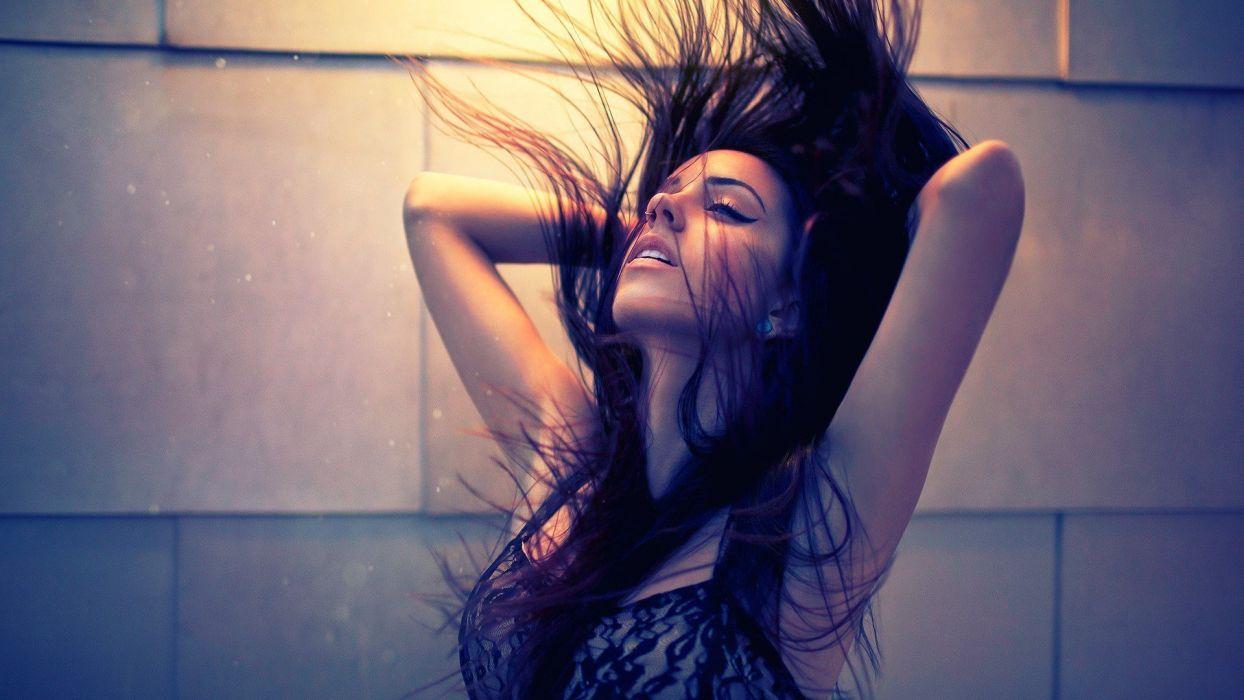 HAIR IN THE WIND - piercing girl hair wallpaper