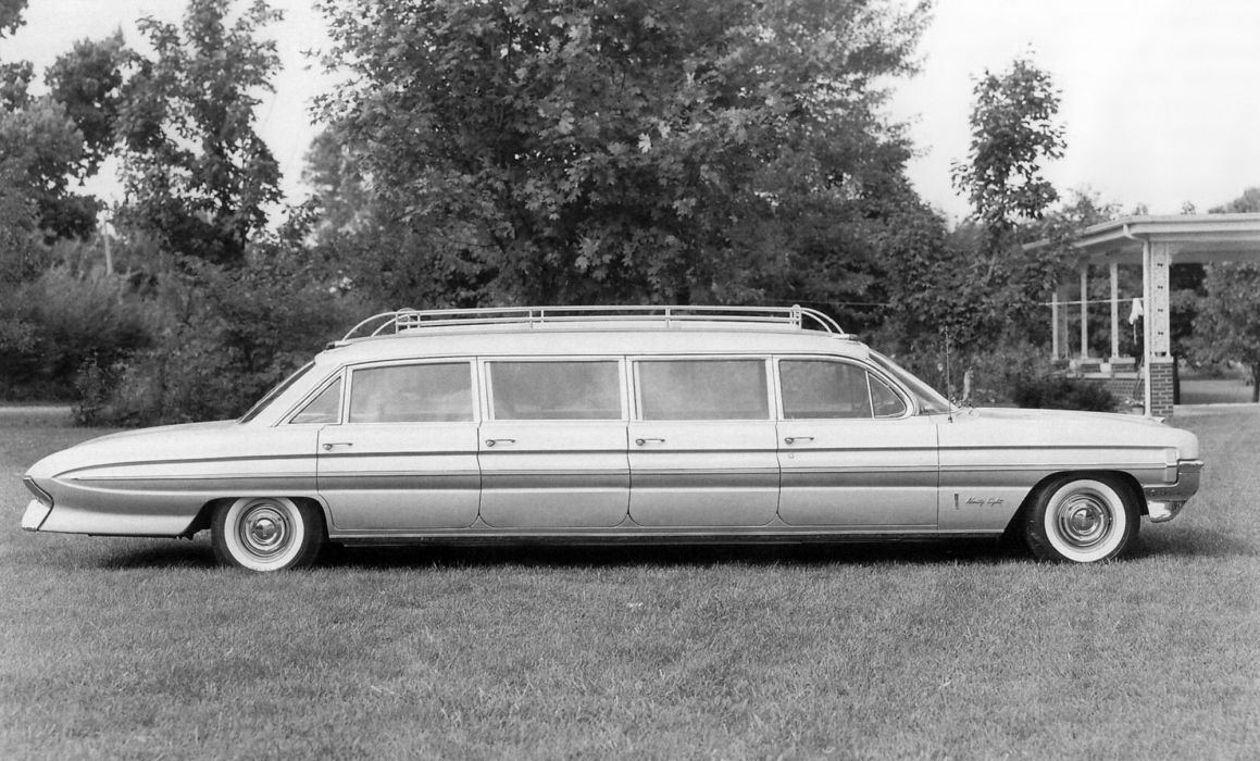 1961 Oldsmobile 9-8 Airporter 8-door Limousine National Coaches armored luxury classic wallpaper