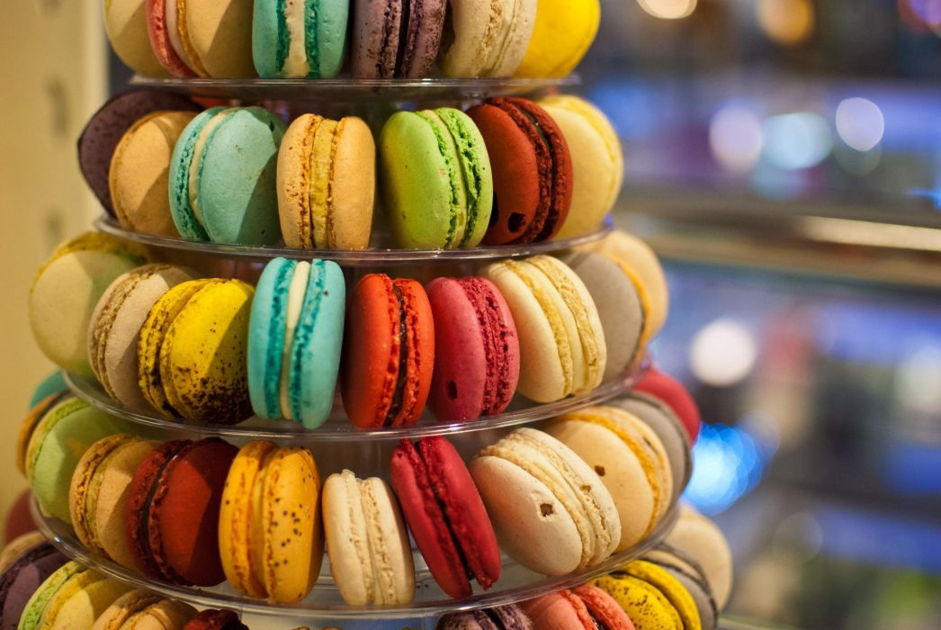 macaroon Multicolored cookies made dish wallpaper