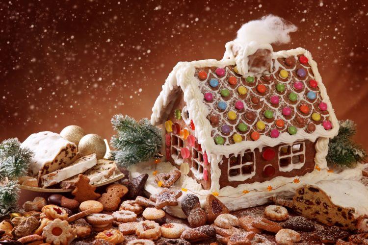 Winter Christmas Sweets country lodge cookies baking gingerbread sponge cake snowfall powder holiday magic wallpaper