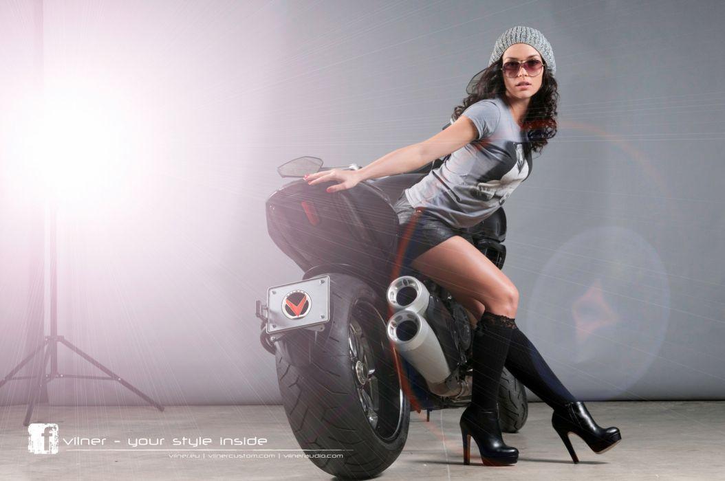 DUCATI DIAVEL - superbike girl wallpaper