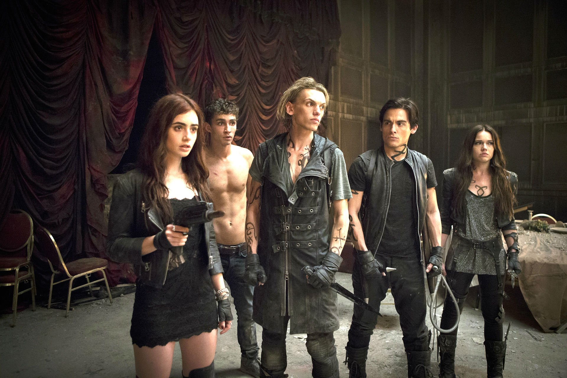 mortal instruments city of bones action adventure sci-fi fantasy