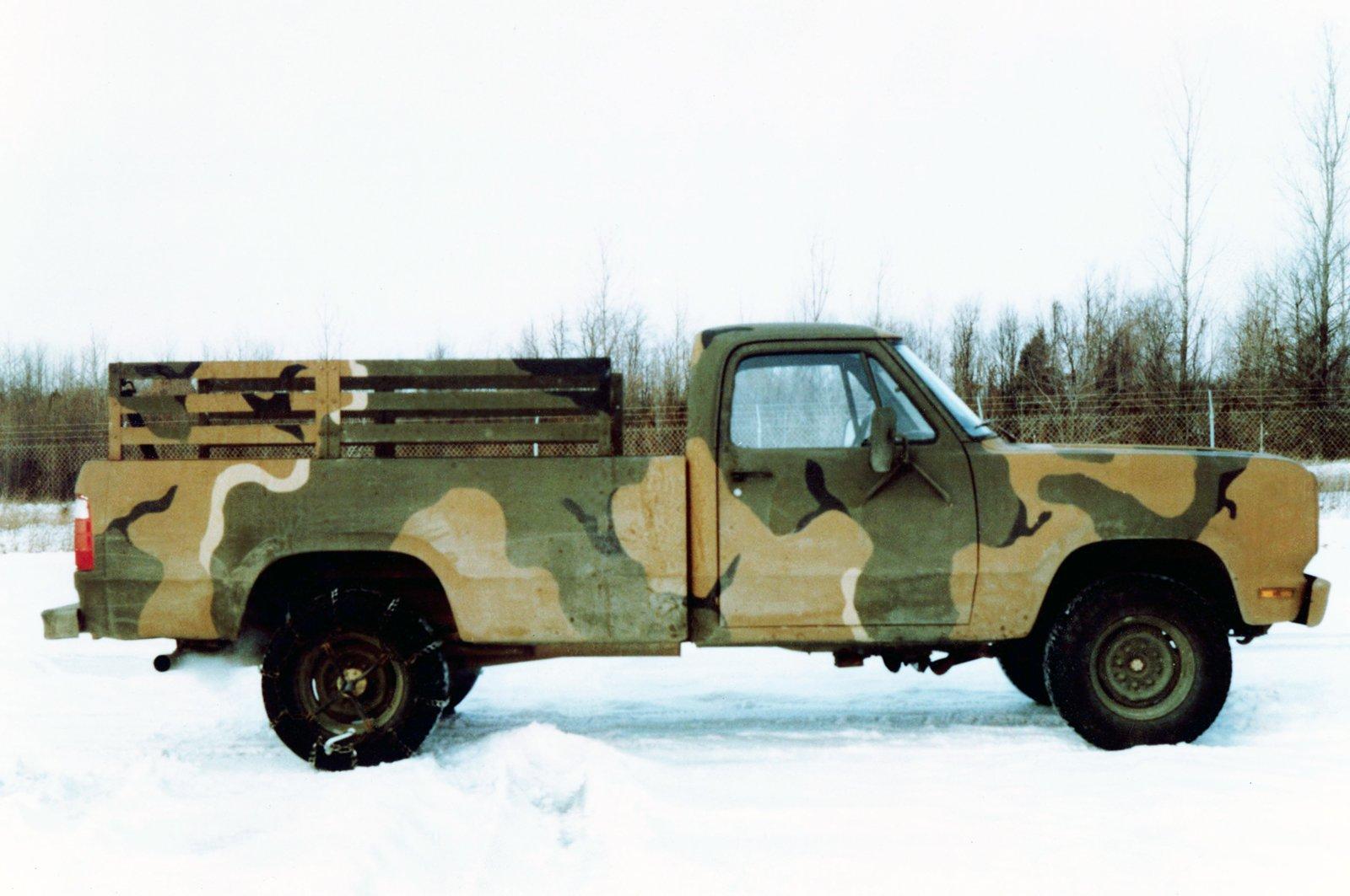 1973 Dodge M880 Pickup Military 4x4 Wallpaper 1600x1063