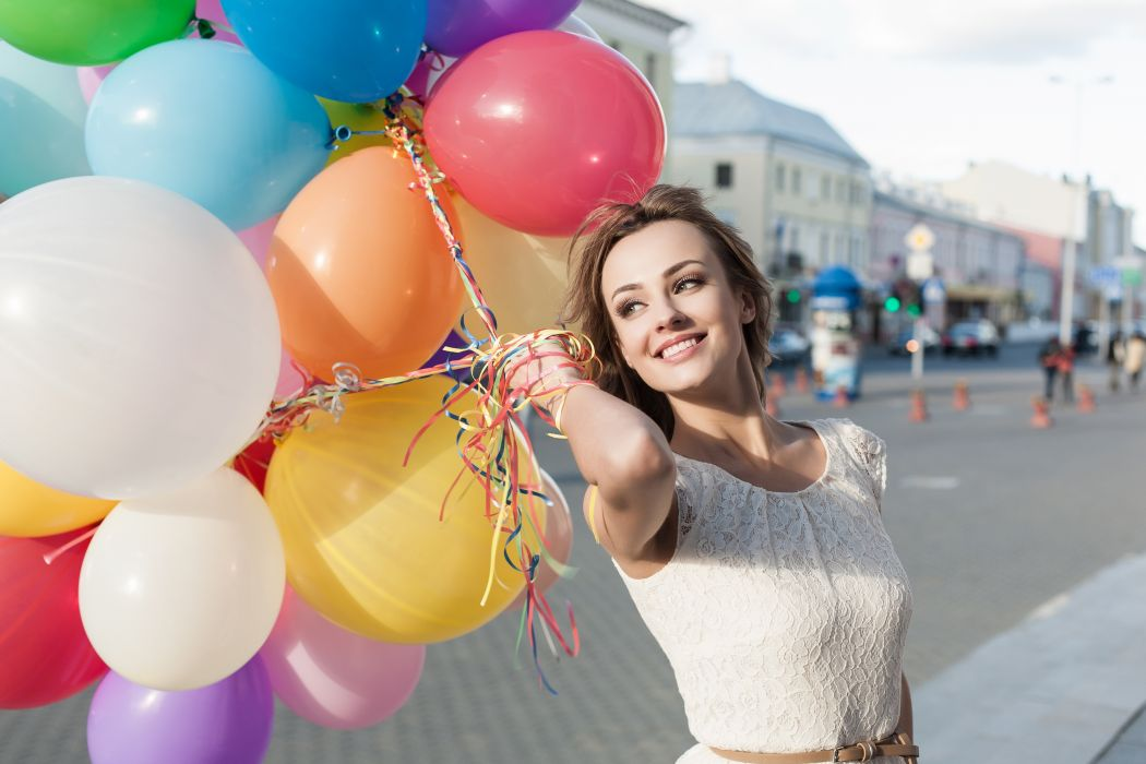 balloons city girl mood smile beautiful color happy wallpaper