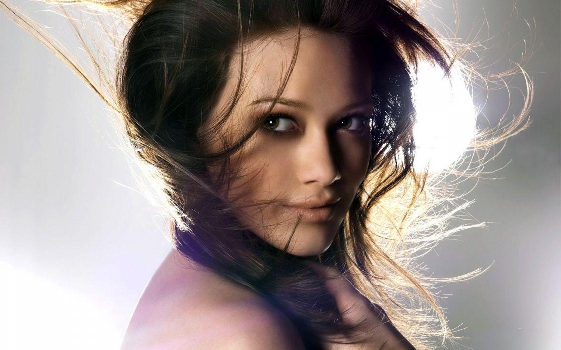 Hilary Duff woman beauty beautiful model brunette wallpaper
