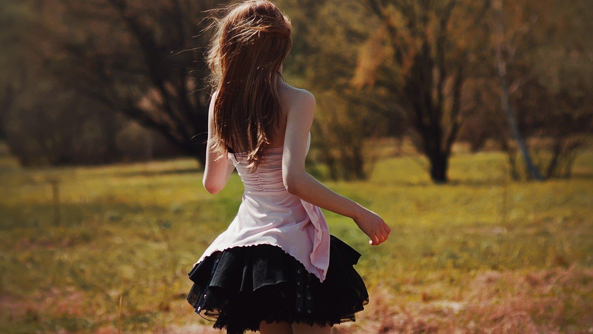Фотография брюнеток зади, Фотки красивых девушек брюнеток сзади 1 фотография