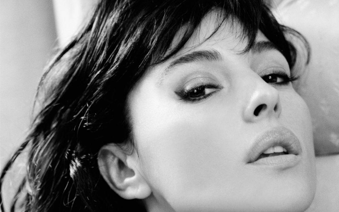 Monica Bellucci actress woman beauty beautiful model brunette wallpaper