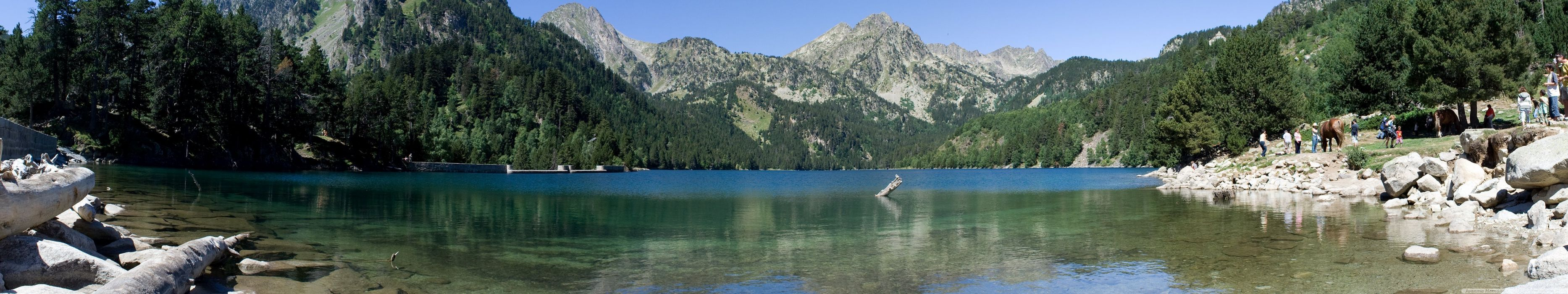 triple monitor multi screen multiple montagne mountains lacs lakes wallpaper