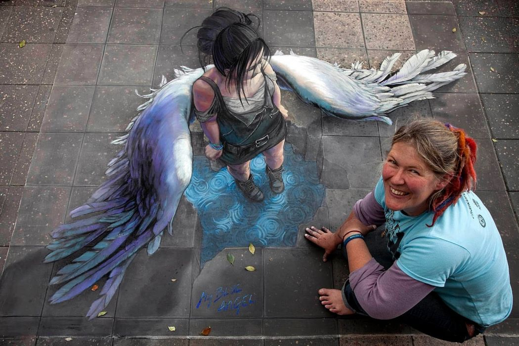 3d-street-art-pacman woman smile wallpaper