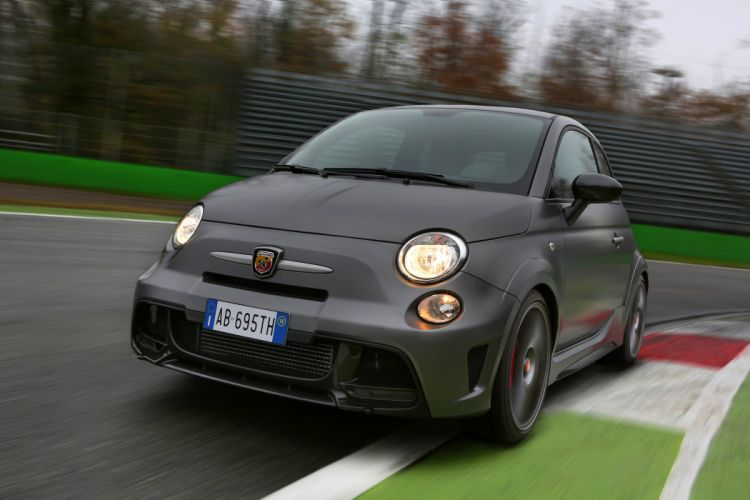 2014 Fiat 500 Abarth 695 Biposto race racing wallpaper